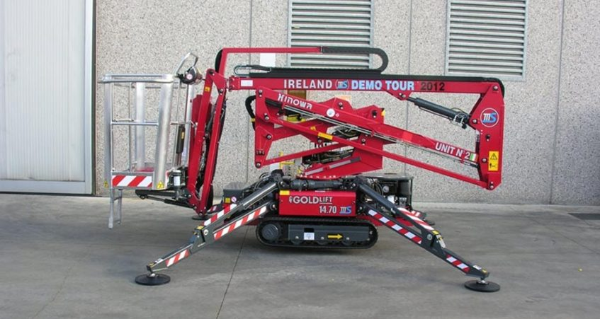 Choosing A Spider Lift Hire Specialist