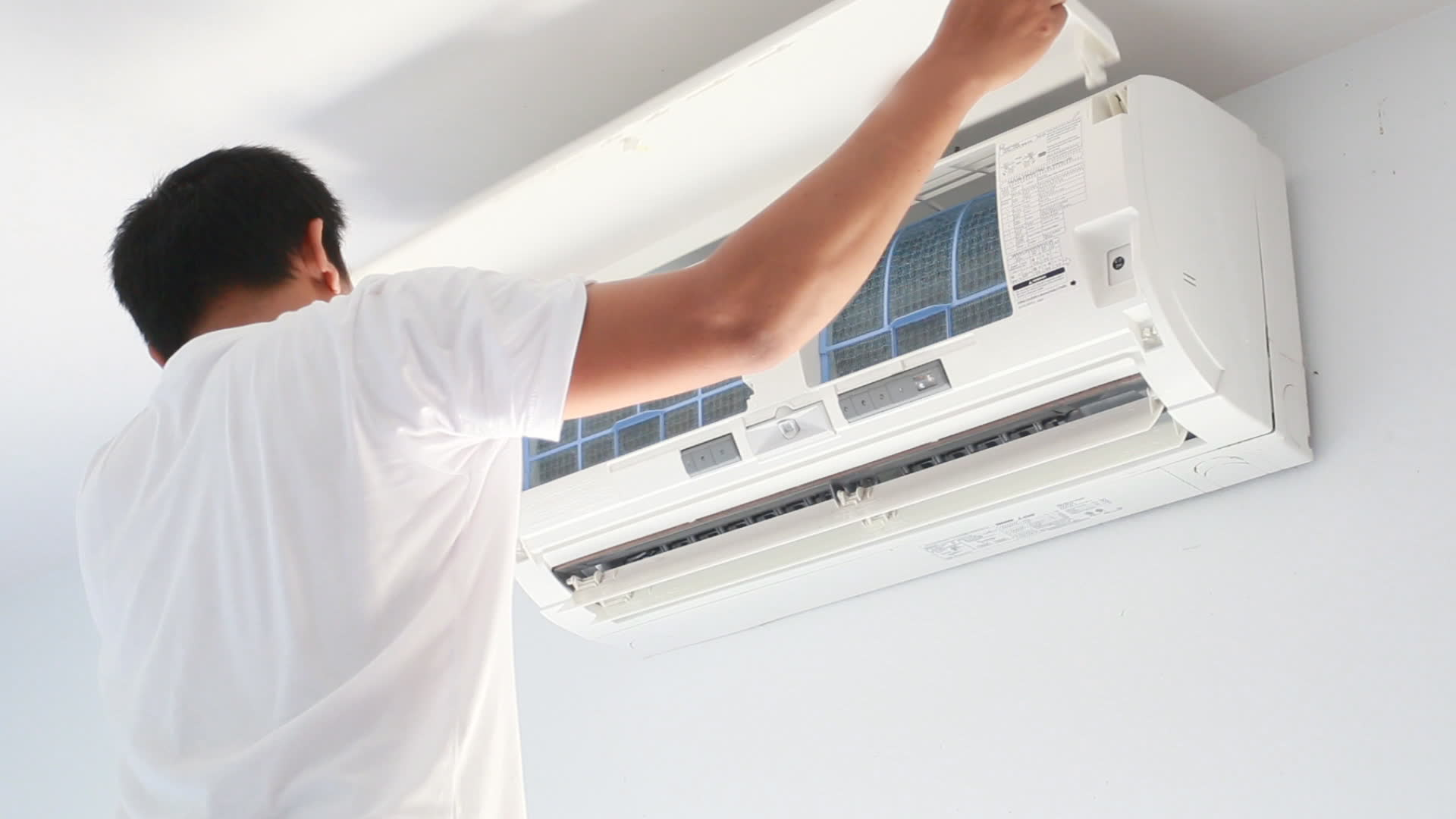 Challenges Of Using An Air Con Service Provider Based On Price