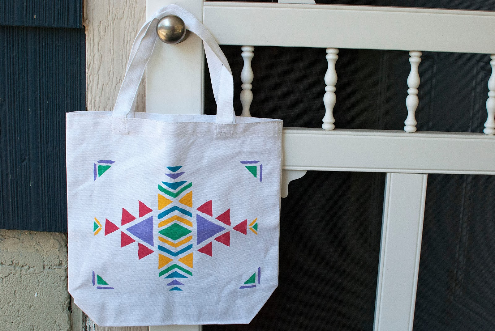 Make Your Brand Goes A Long Way With Printed Tote Bags
